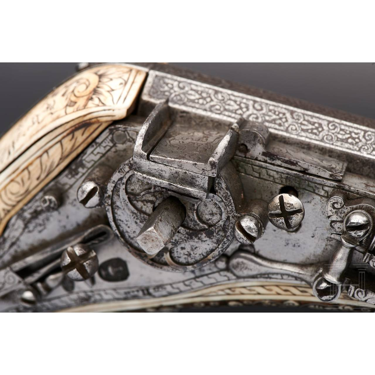 A deluxe wheellock puffer, lavishly inlaid in bone, Nuremberg, circa 1570