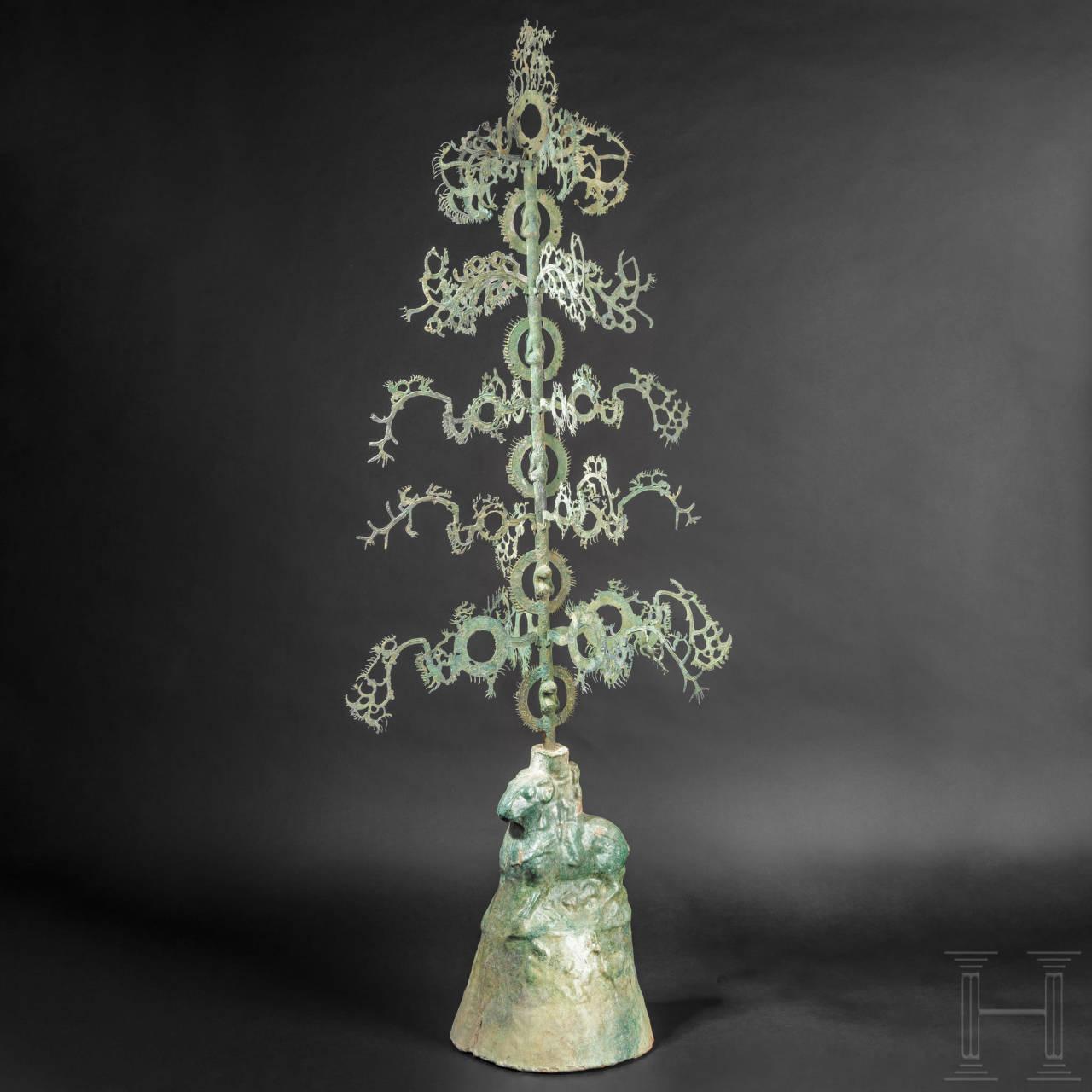 Äußerst seltener und früher Geldschüttelbaum, sogenannter Yao-quian-shu, China, östliche Han-Dynastie, 25 bis 220 n. Chr.