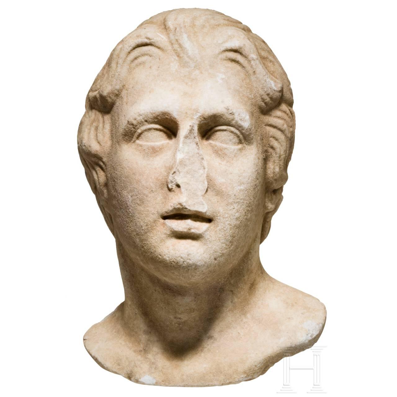Fragment eines jugendlichen Marmorkopfes mit den Zügen Alexanders des Großen, römisch, 1. Jhdt. v. Chr. - 3. Jhdt. n. Chr.