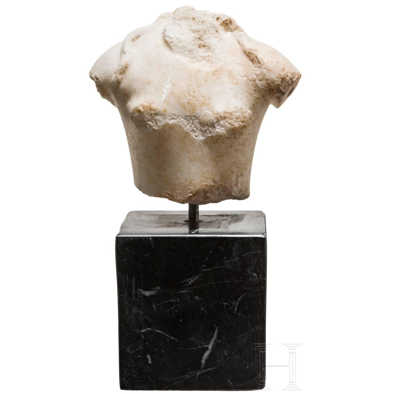 Beeindruckender kleiner Marmortorso des Dionysos, römisch, 1. Jhdt.