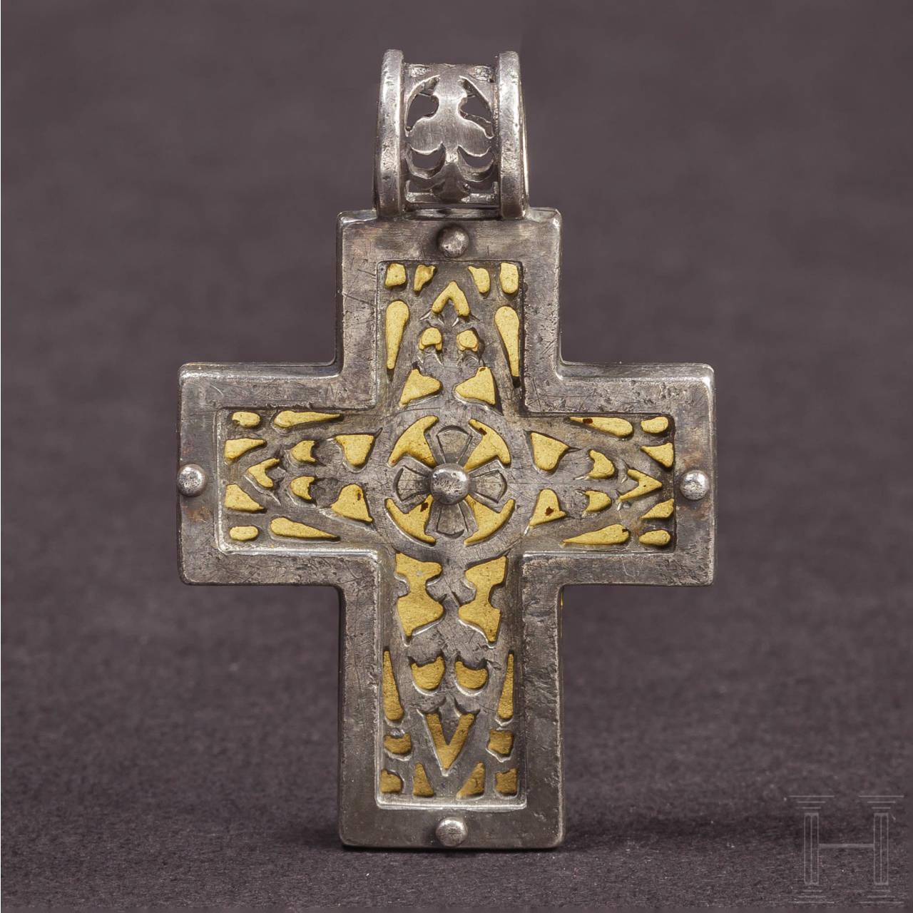 Aus Silber und Gold gearbeiteter Kreuzanhänger, mittel- oder spätbyzantinisch, 8. - 13. Jhdt.