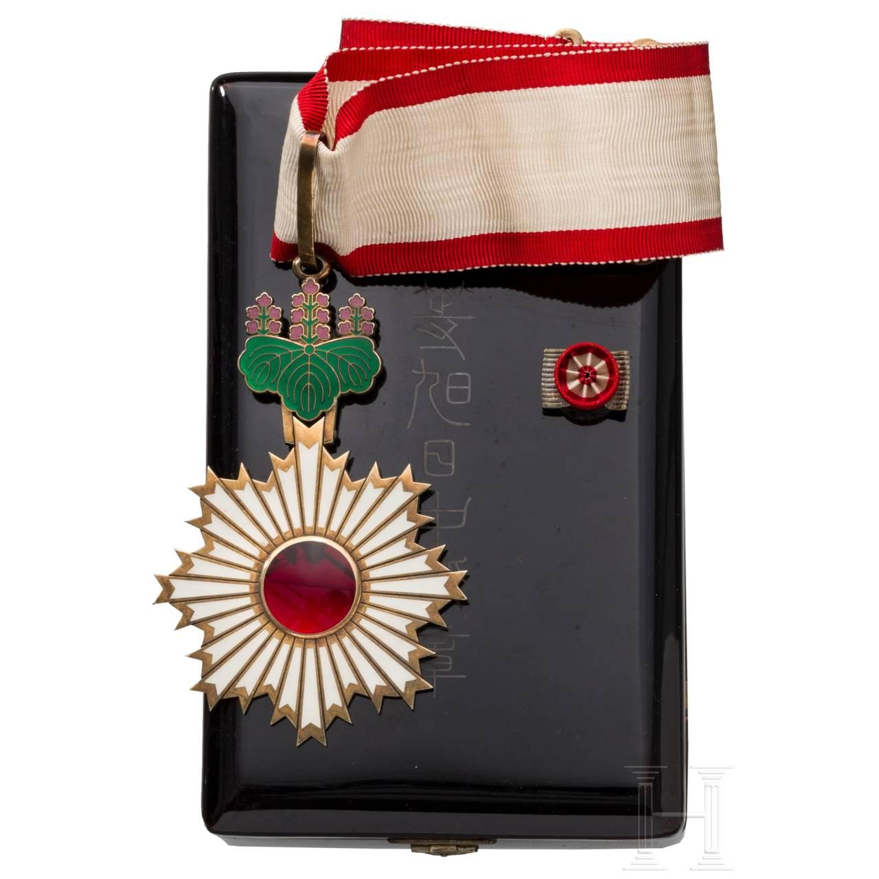 Japanischer Orden der Aufgehenden Sonne (Kyokujitsu-sho) - Dekoration der 3. Klasse