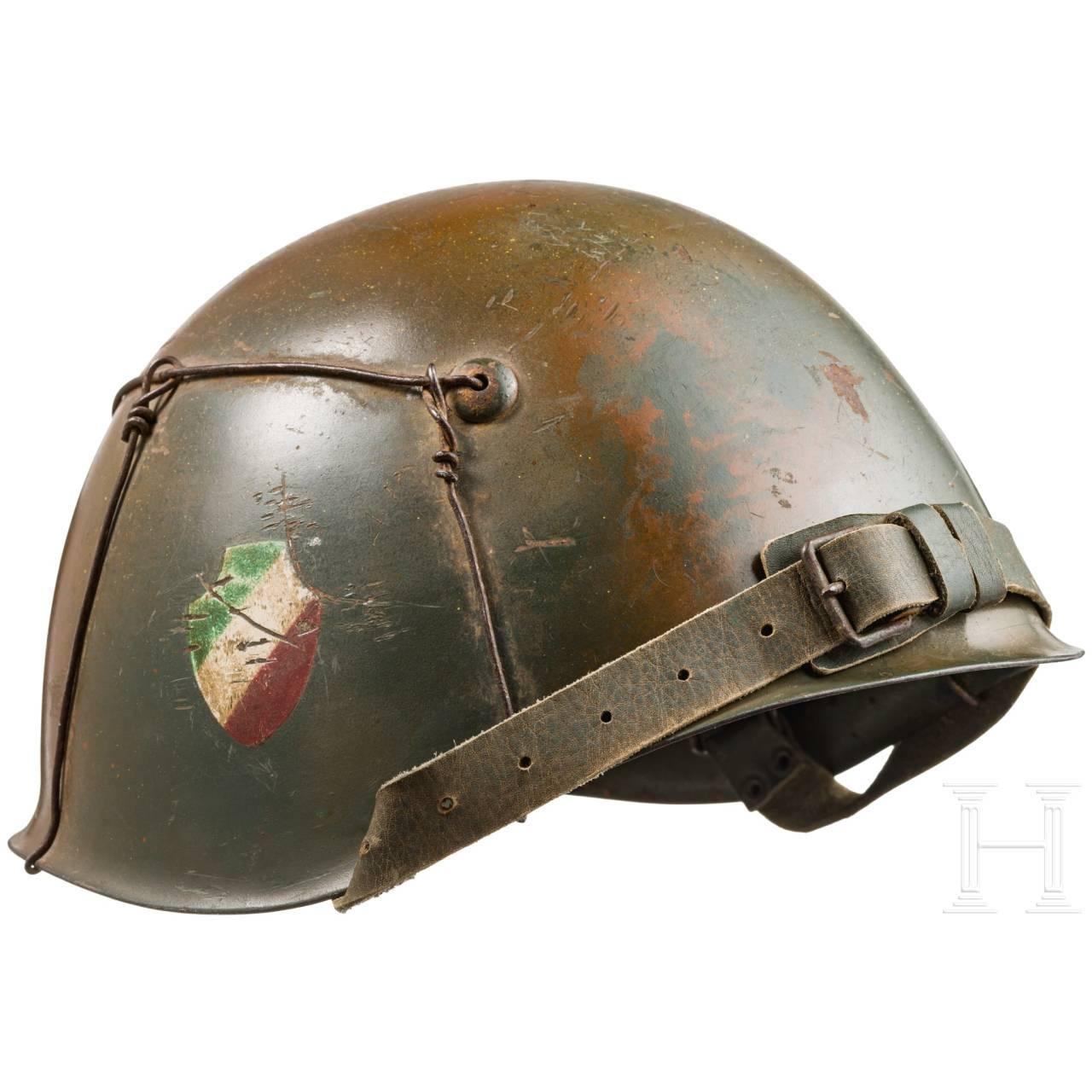Stahlhelm der Divisione Italia in Tarnfarben, um 1943