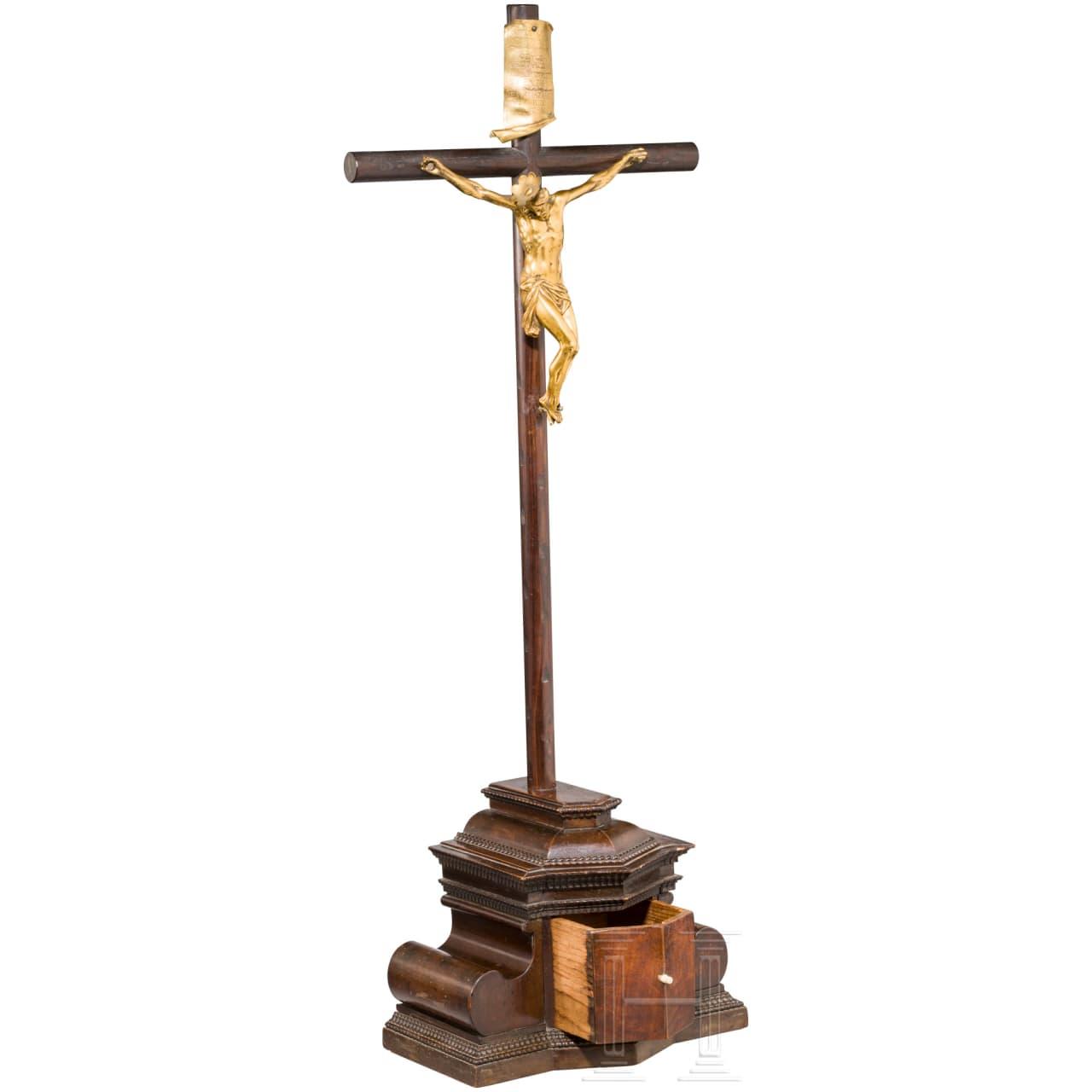 Kruzifix mit vergoldetem Christuskorpus, Augsburg, Mitte 17. Jhdt.