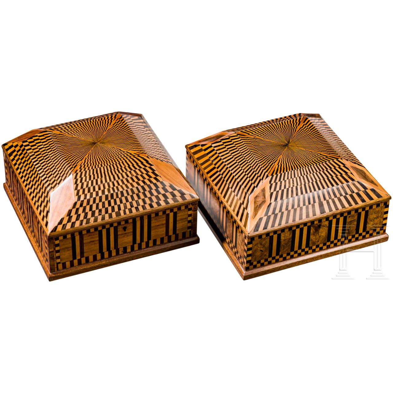 Ein Paar Art déco-Holzschatullen mit Marketteriedekor, Wien, um 1910/20