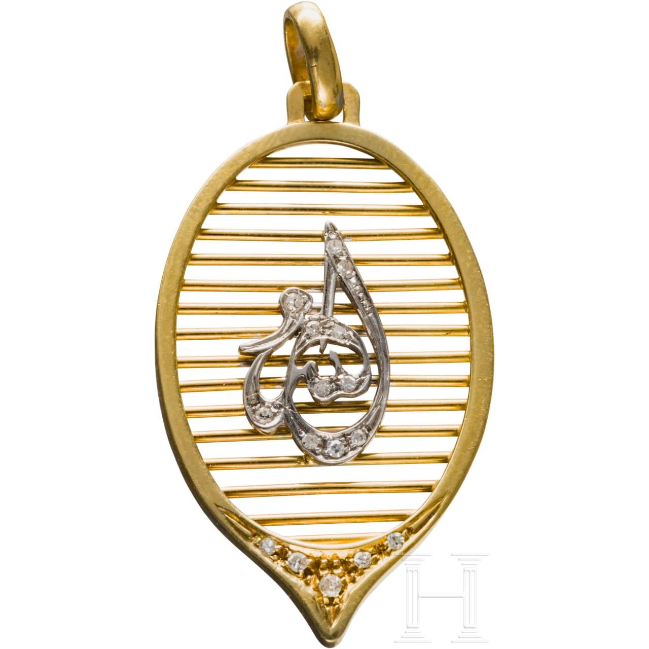 King Hussein I of Jordan (1935-99) - diamond-studded gold pendant