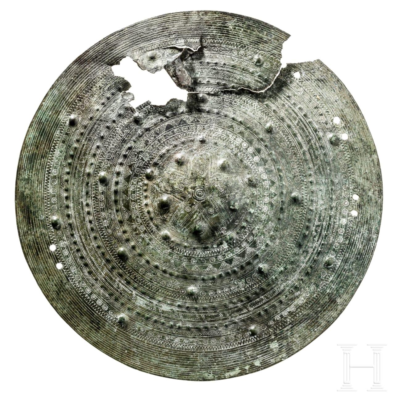 Bronzener Kardiophylax, Mittelitalien, Villanova-Kultur, 8. Jhdt. v. Chr.
