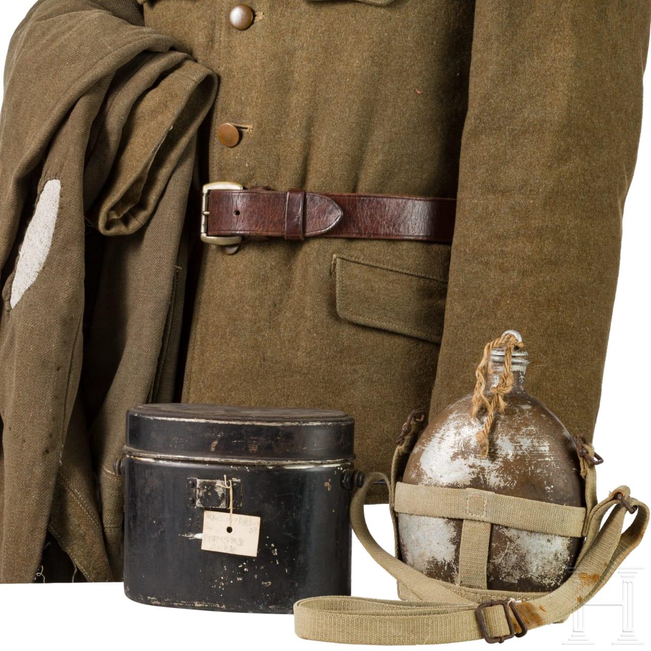 Uniform- und Ausrüstungsensemble eines Armee-Unteroffiziers im 2. Weltkrieg