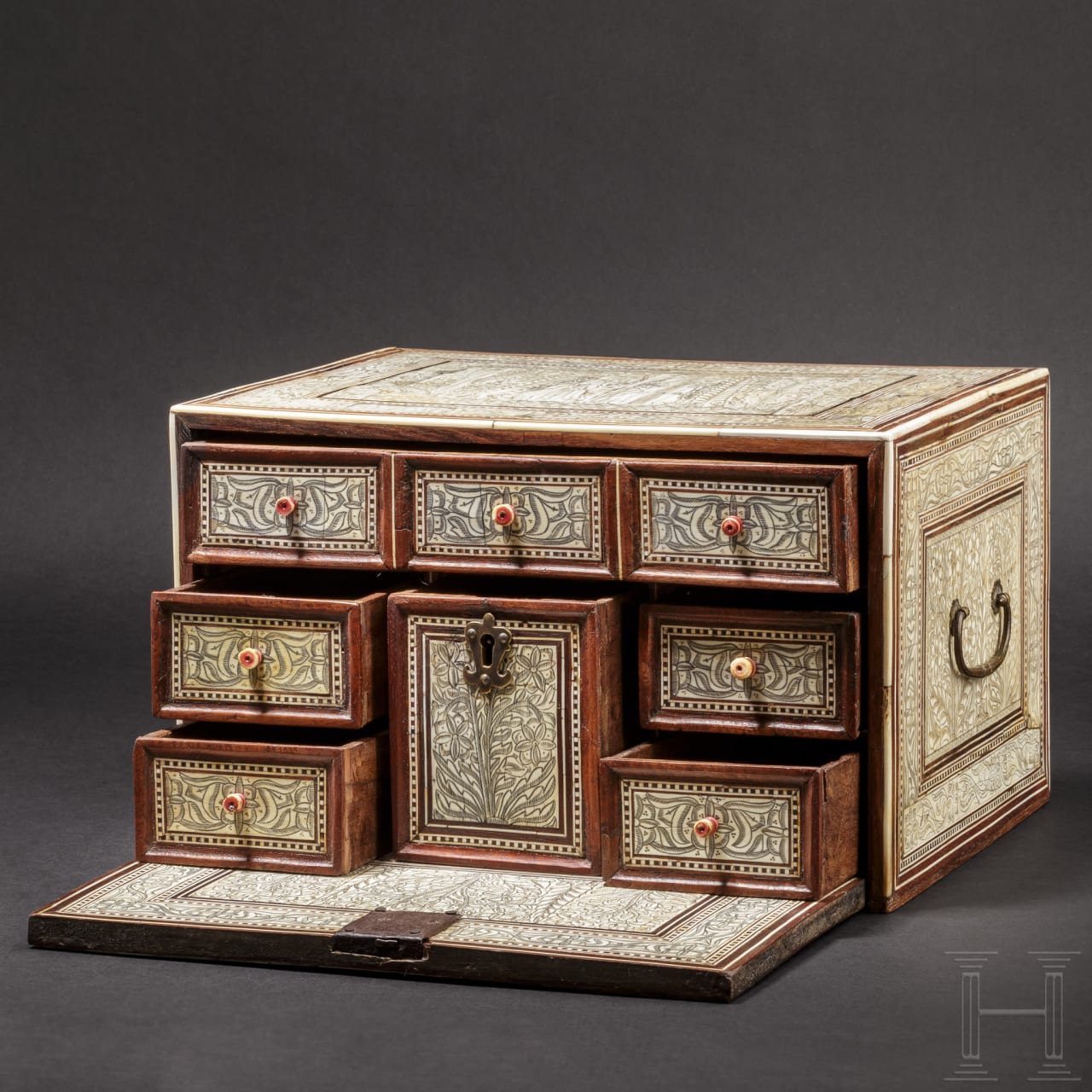 """A rare, small and finely engraved North/West Indian """"Mughal"""" cabinet casket, 17th century"""