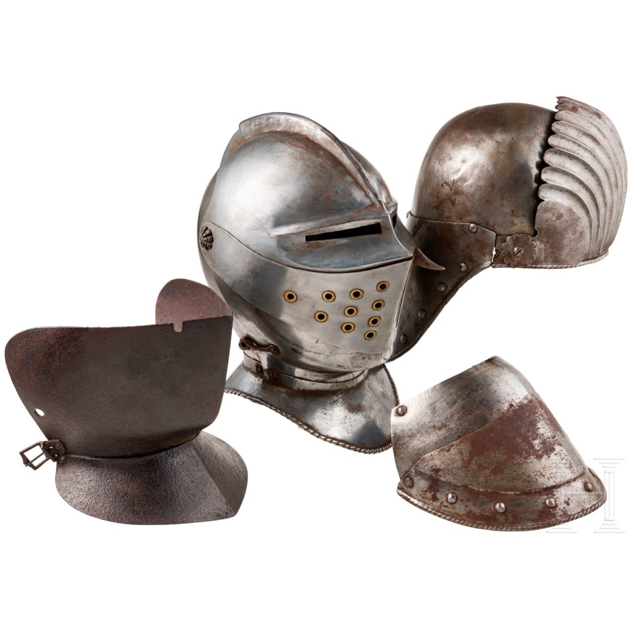 Zwei Helme im Stil des 15. bzw. 16 Jhdts., Sammleranfertigungen des Historismus