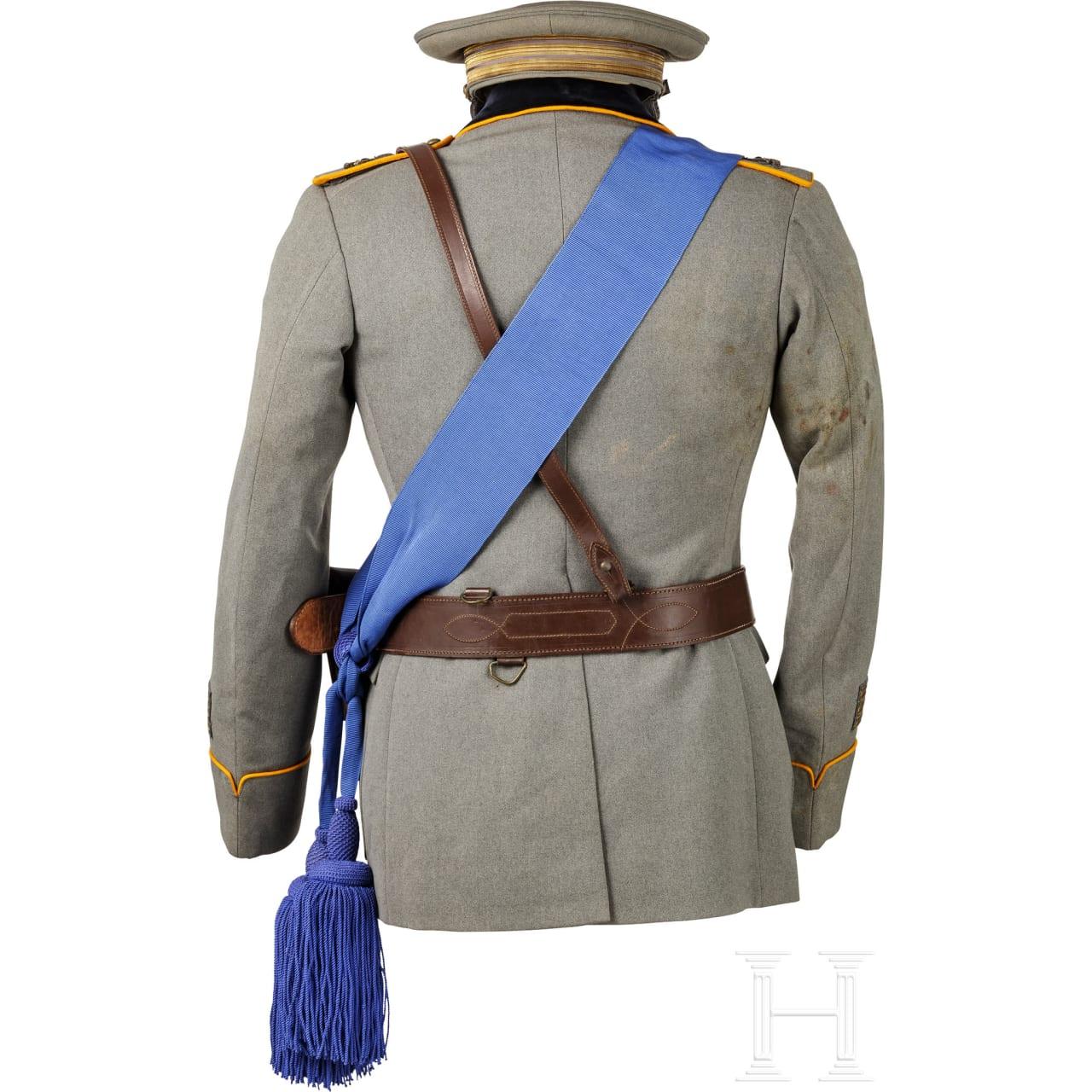 Uniform eines Hauptmanns der Artillerie im 2. Weltkrieg