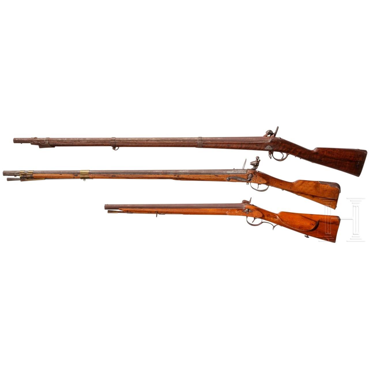 Infanteriemuskete M 1854 und zwei ausländische Gewehre