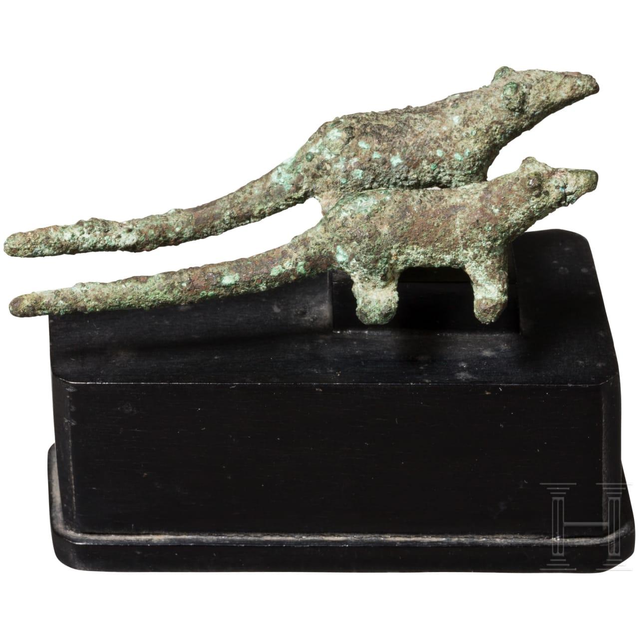 Zwei Miniatur-Ratten aus Bronze, Ägypten, ca. 1000 - 500 v. Chr.