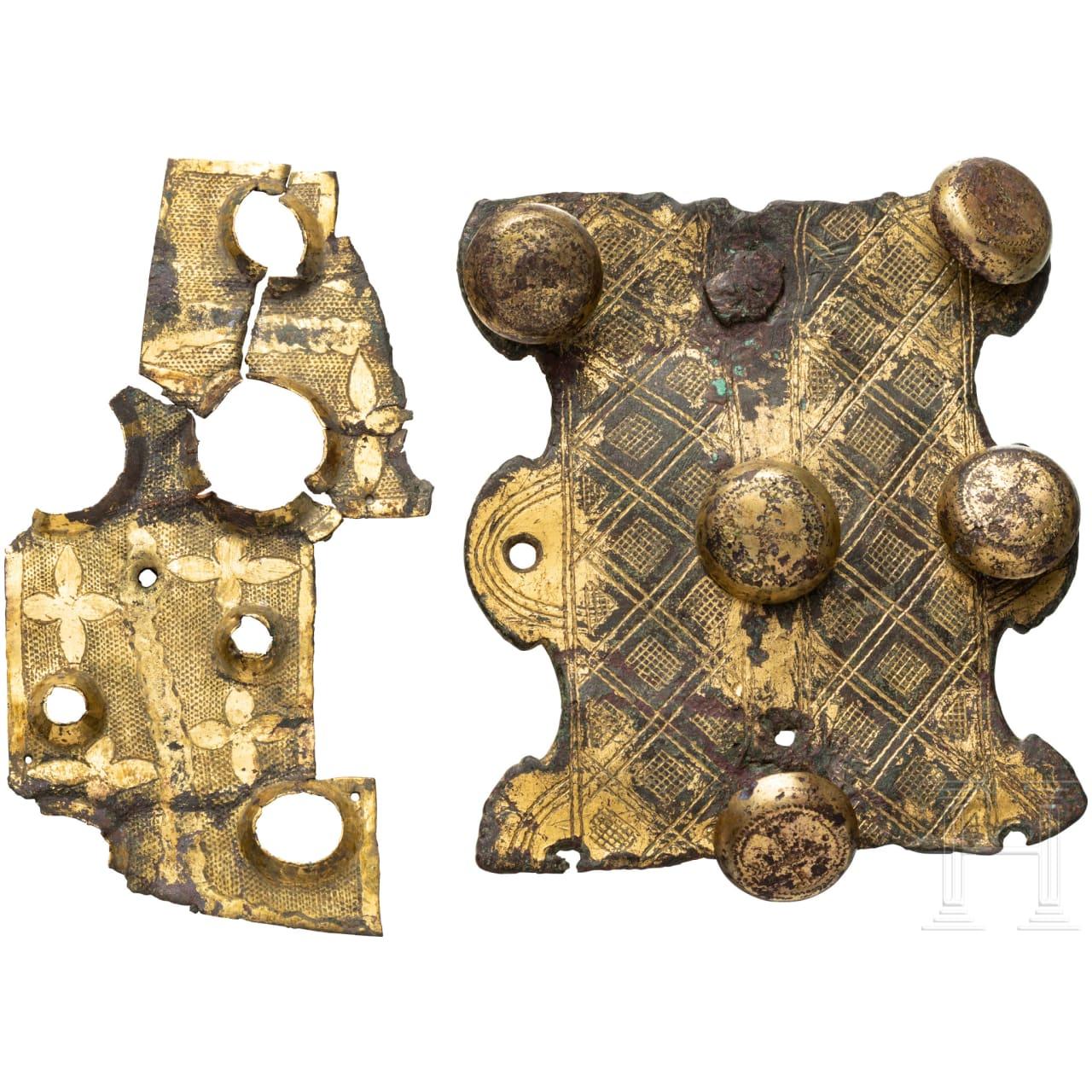 Zwei vergoldete Beschläge, romanisch, 12. Jhdt.