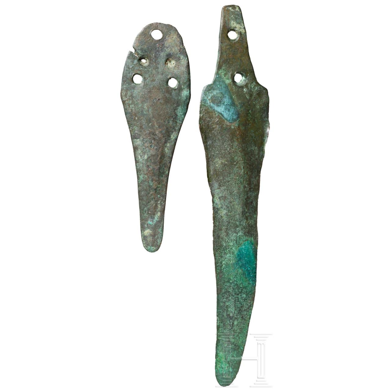 Zwei Bronzedolche, frühe Bronzezeit, 20. - 17. Jhdt. v. Chr.