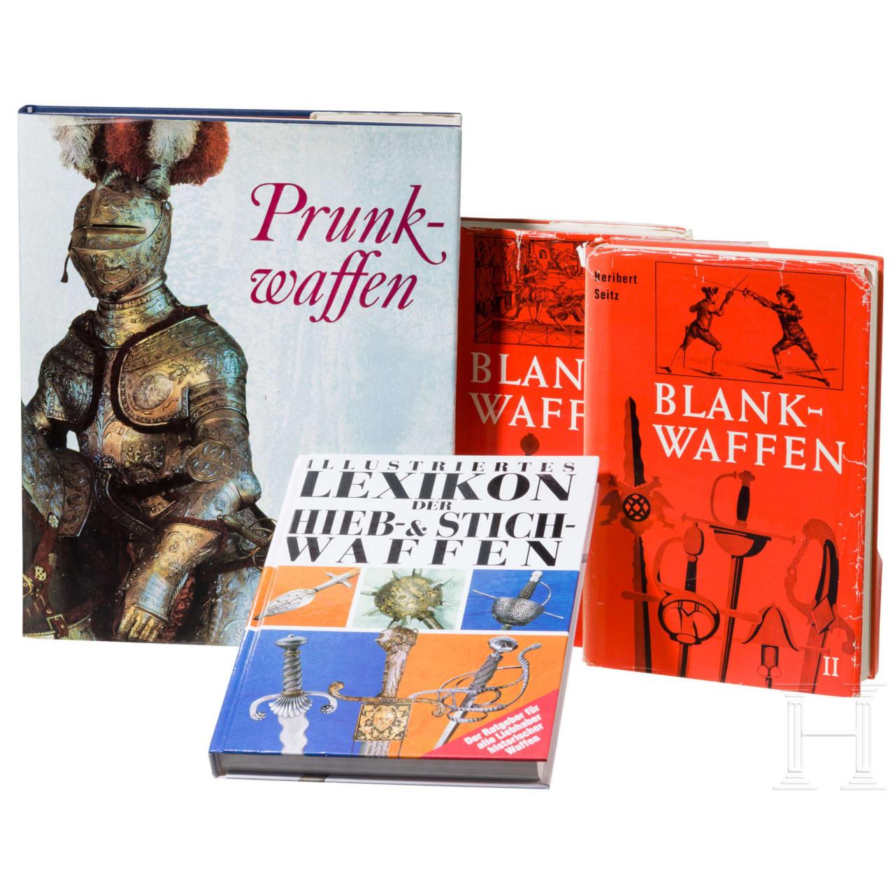 Vier Bücher zum Thema Blankwaffen