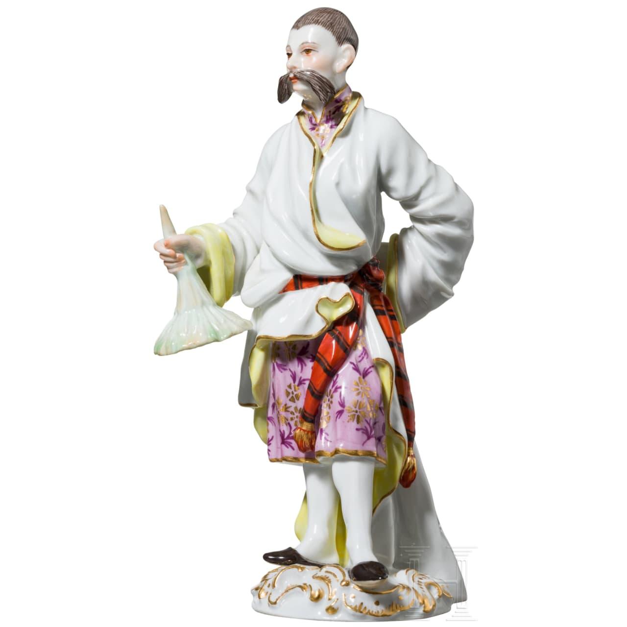 Figur eines stehenden Chinesen oder Japaners aus der Gruppe der fremden Völker, Meißen, 20. Jhdt.