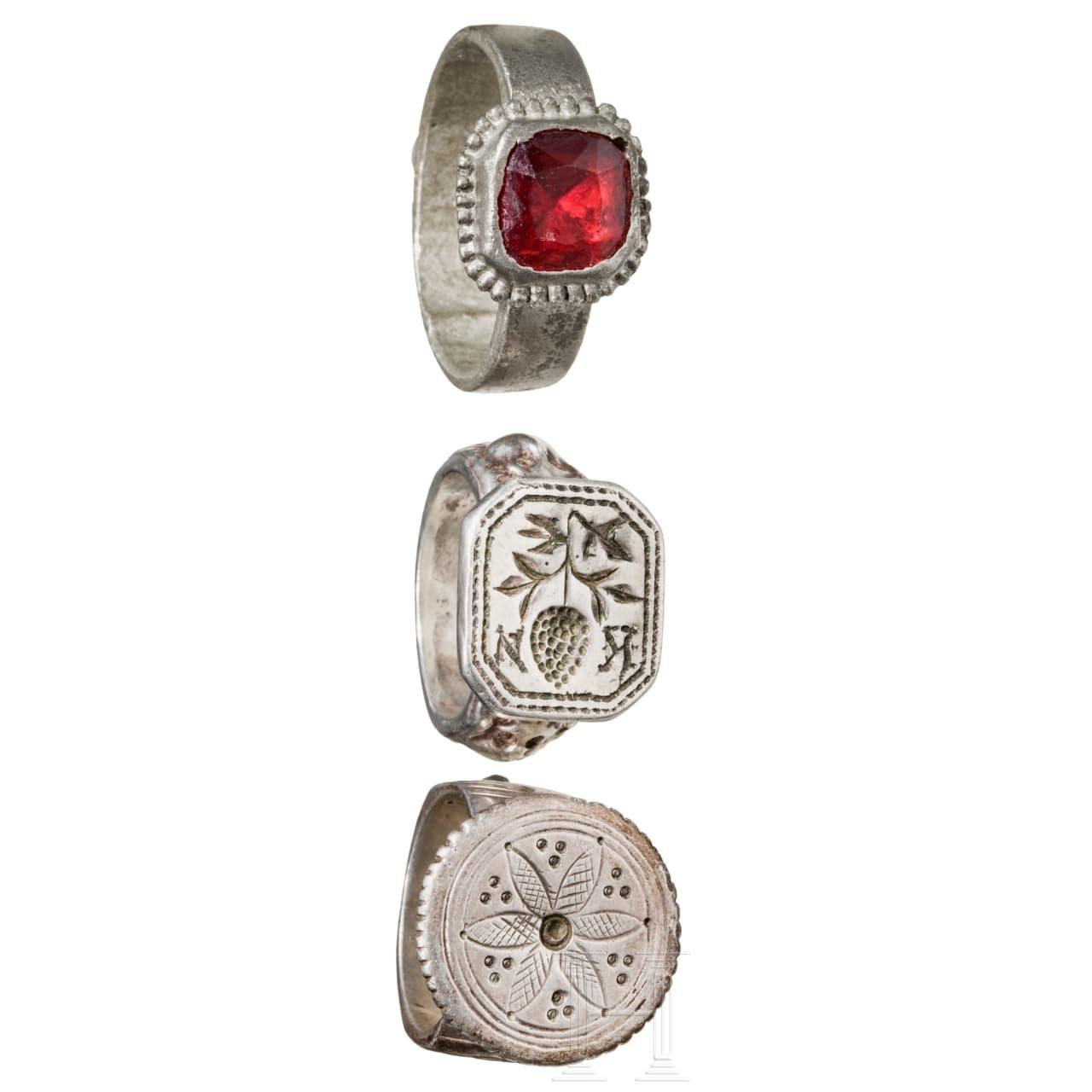 Drei silberne Ringe, 14. – 18. Jhdt.