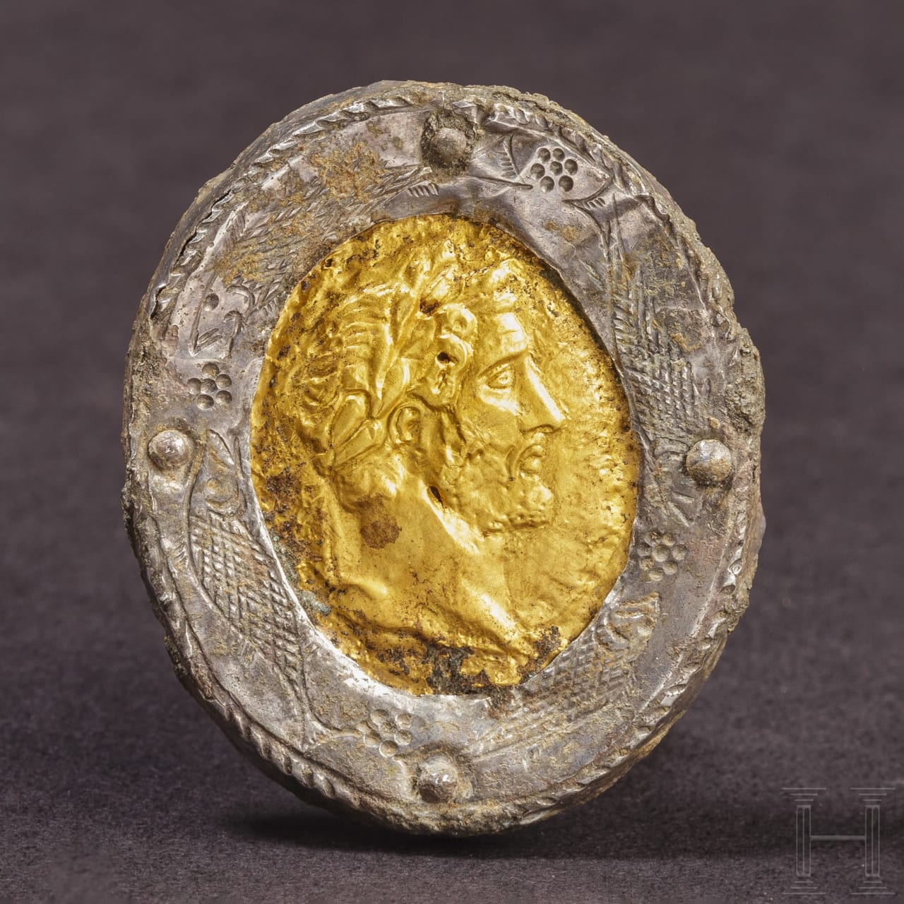 A Roman brooch with the golden portrait of Antoninus Pius, mid-2nd - 3rd century
