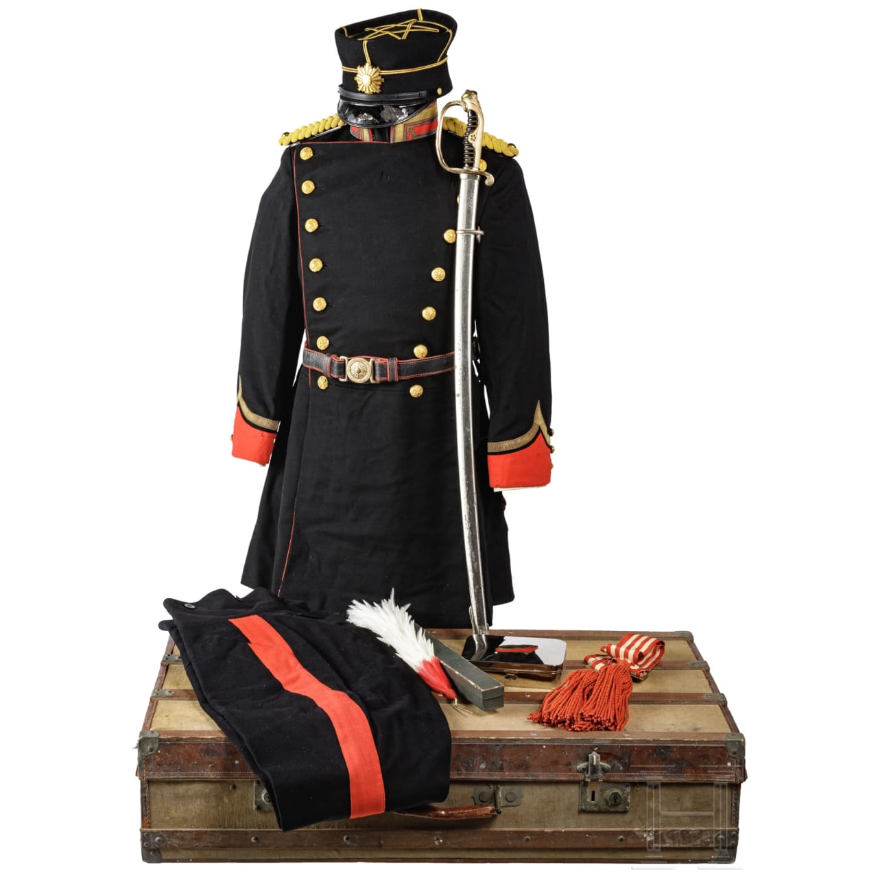 Paradeuniform für einen Leutnant der Kaiserlich Japanischen Armee im 2. Weltkrieg