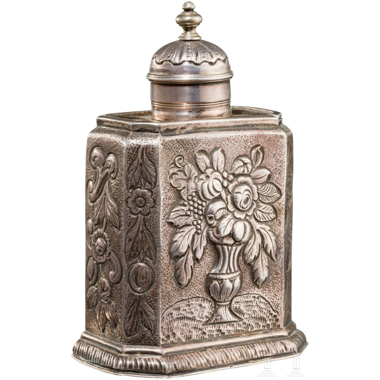 A silver tea caddy, London, 18th century