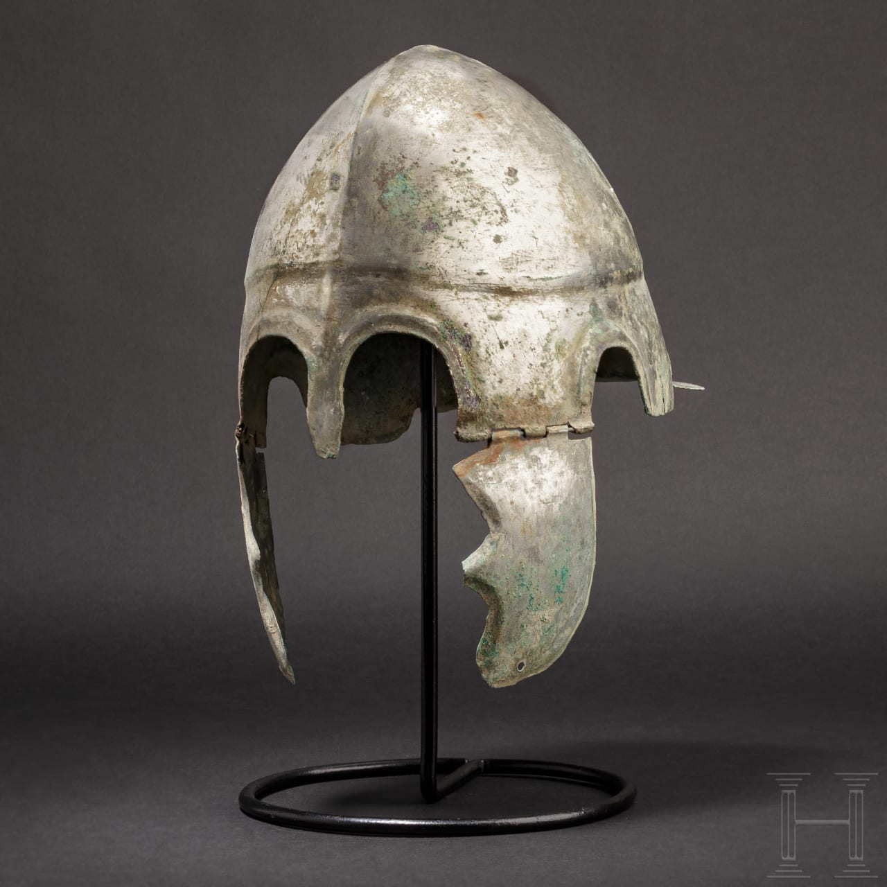 A Chalcidian helmet, type V, early 4th century B.C.
