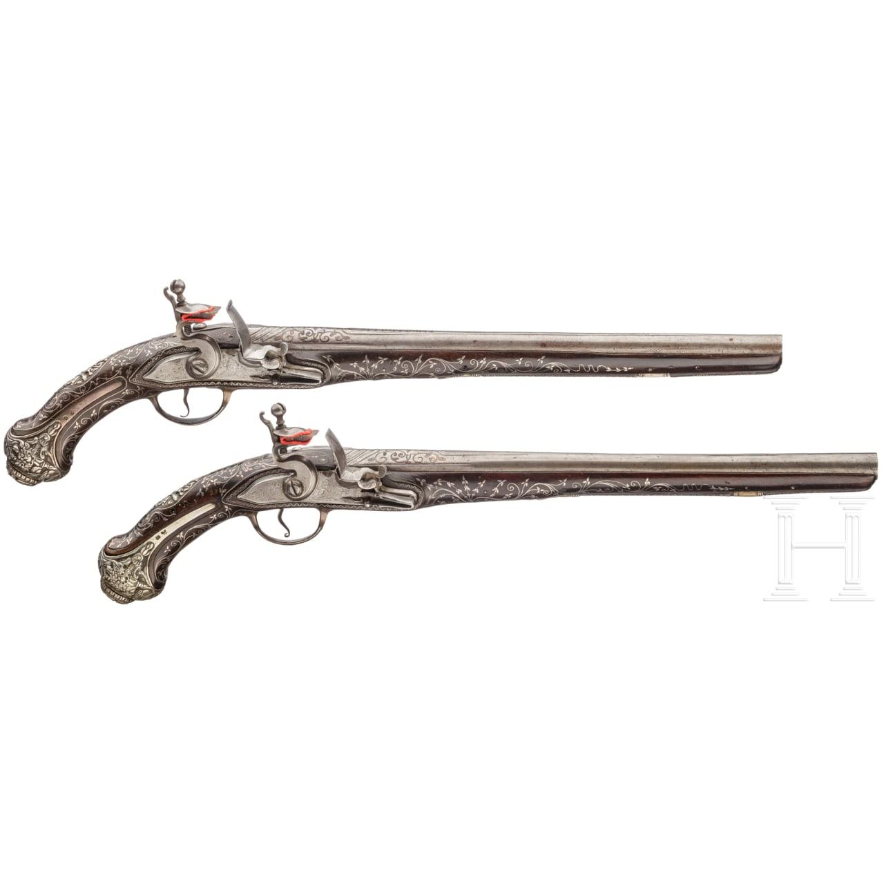 Ein Paar silbermontierte Steinschloss-Orientpistolen, osmanisch, um 1820/30