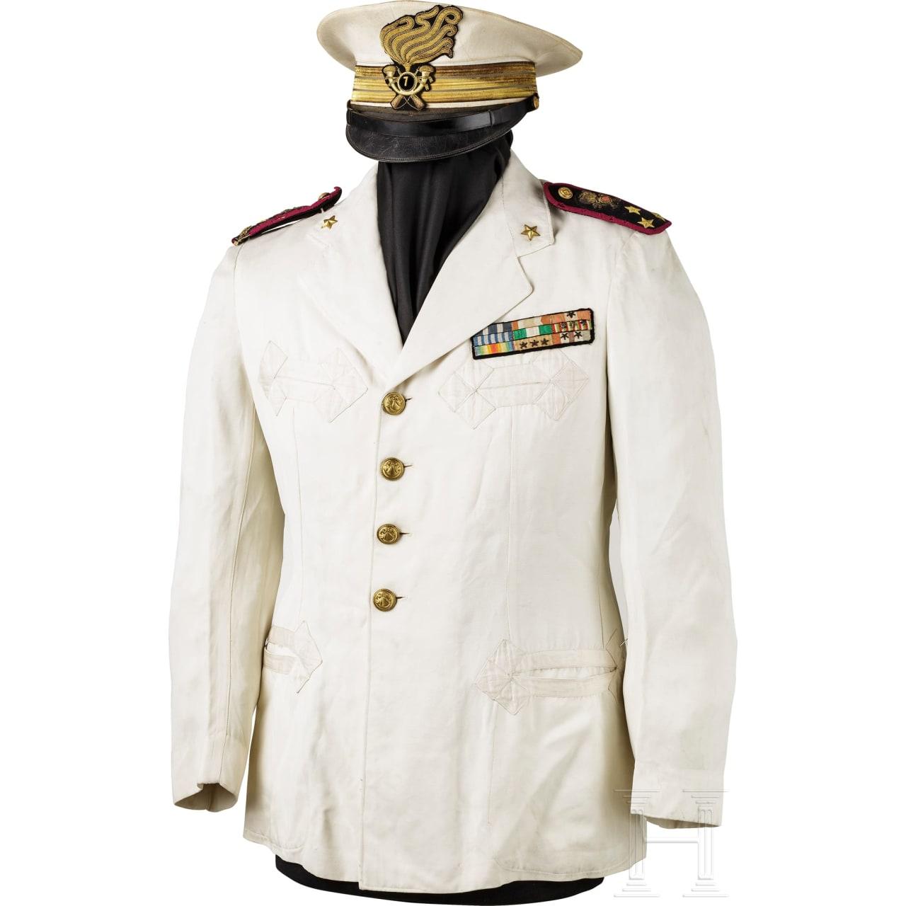 Schirmmütze und Uniformjacke eines Hauptmanns der Bersaglieri in Afrika, 1. Hälfte 20. Jhdt.