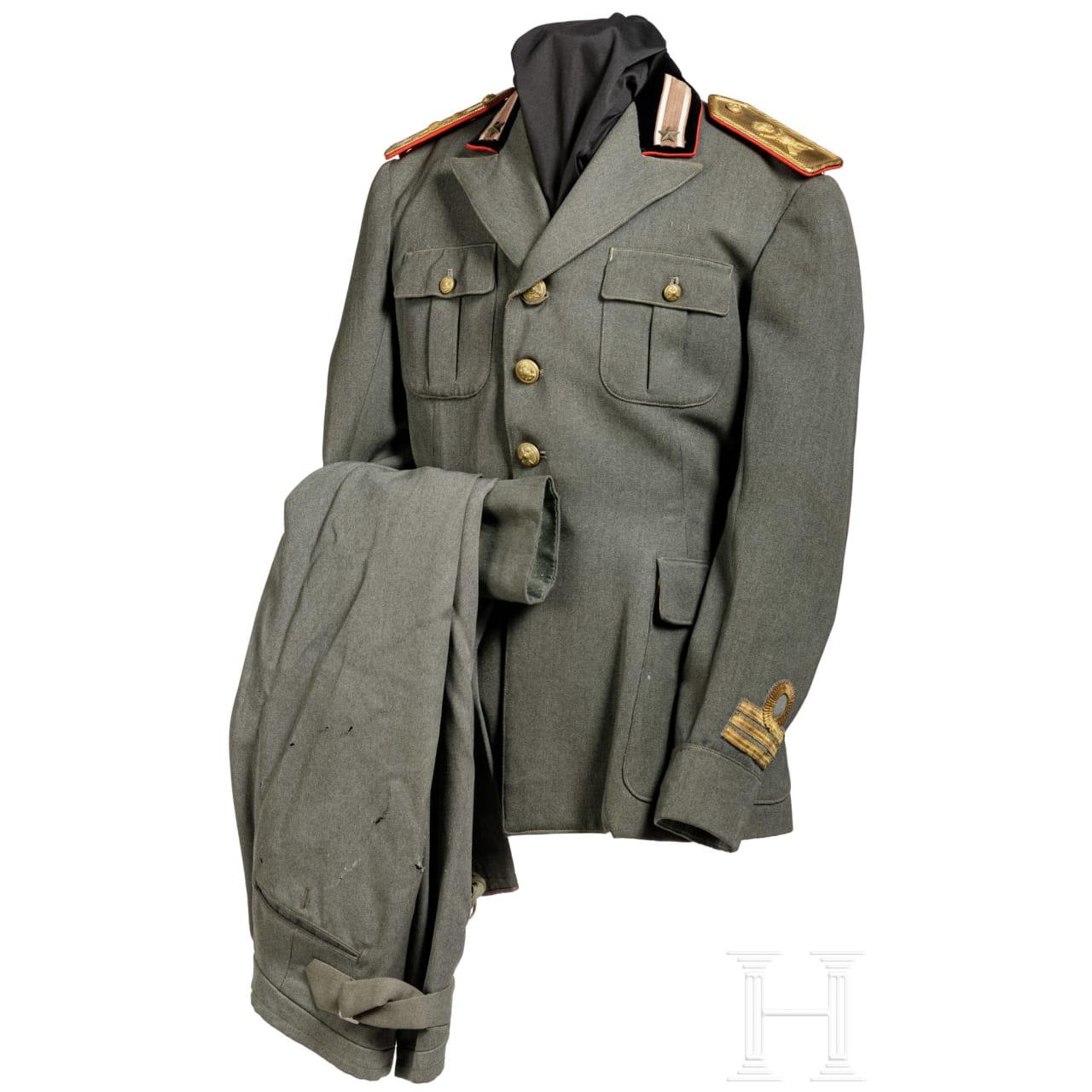 "A uniform for a captain of the infantry division ""Cosseria"", circa 1940"