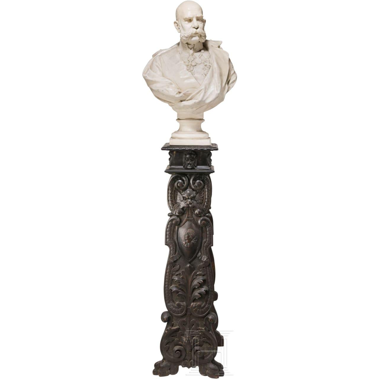 Kaiser Franz Joseph I. von Österreich - große Gipsbüste auf beschnitztem Holzständer