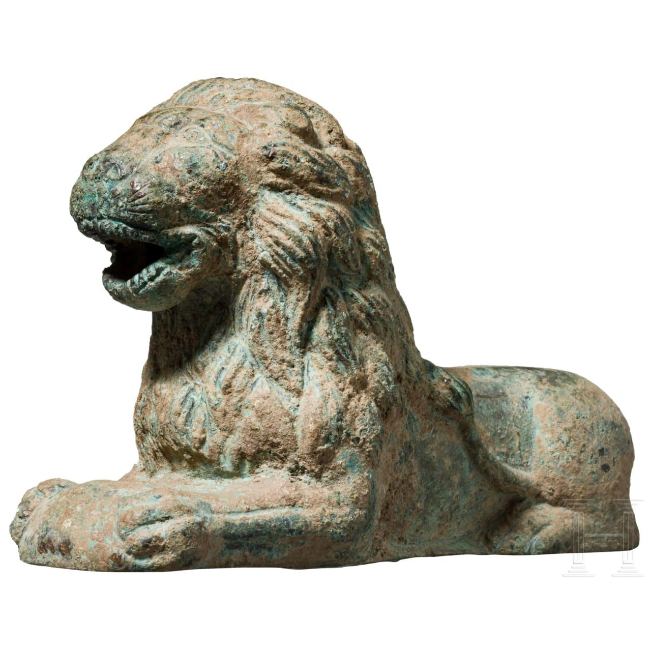 Bronzeskulptur eines liegenden Löwen, 15. Jhdt.
