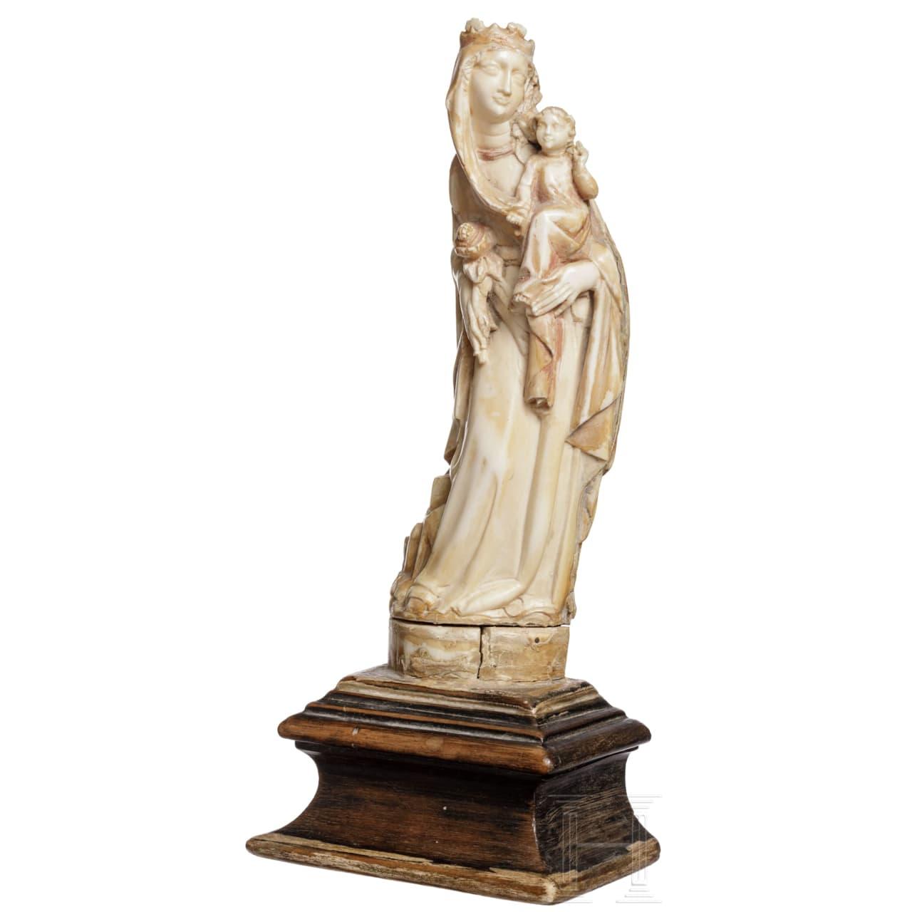 Skulptur einer Madonna mit Kind im gotischen Stil, wohl Frankreich, 19. Jhdt.