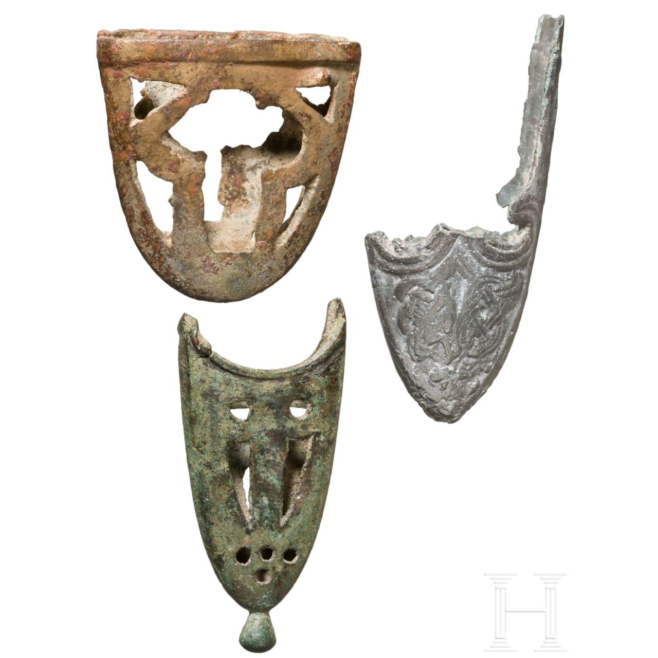 Drei Ortbänder, davon eines wikingisch, Nord- und Zentraleuropa, 10. Jhdt.