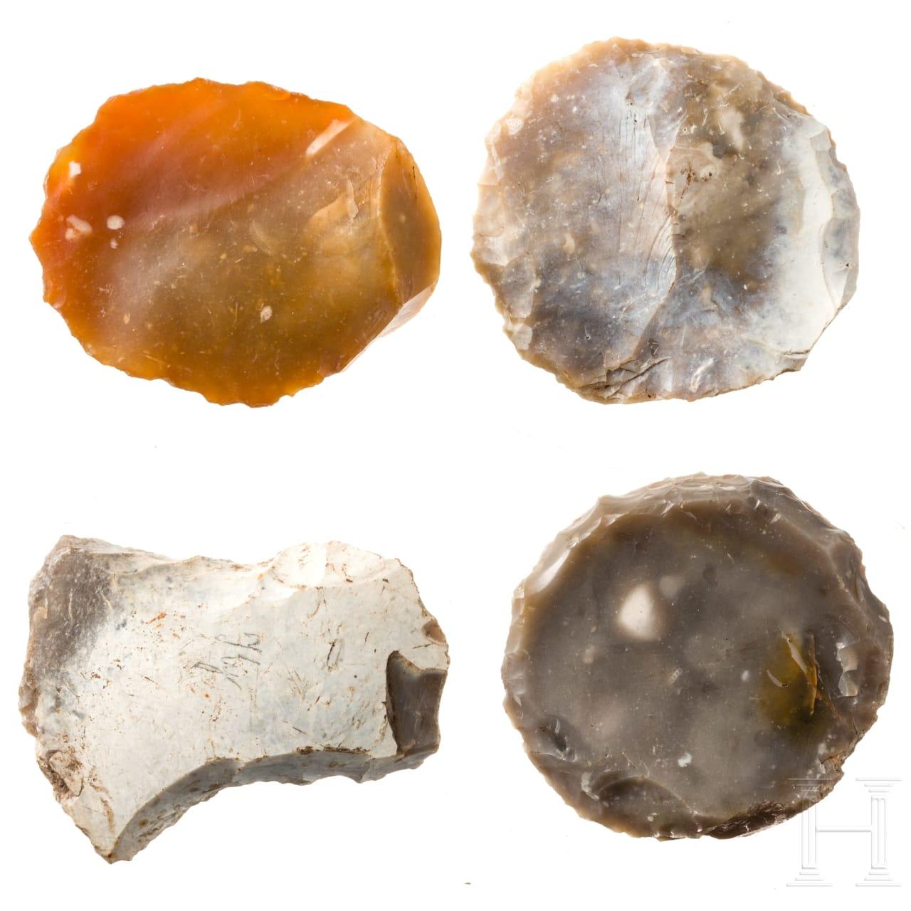 Vier Schaber aus Flint, Dänemark, Neolithikum, 4. - 3. Jtsd. v. Chr.
