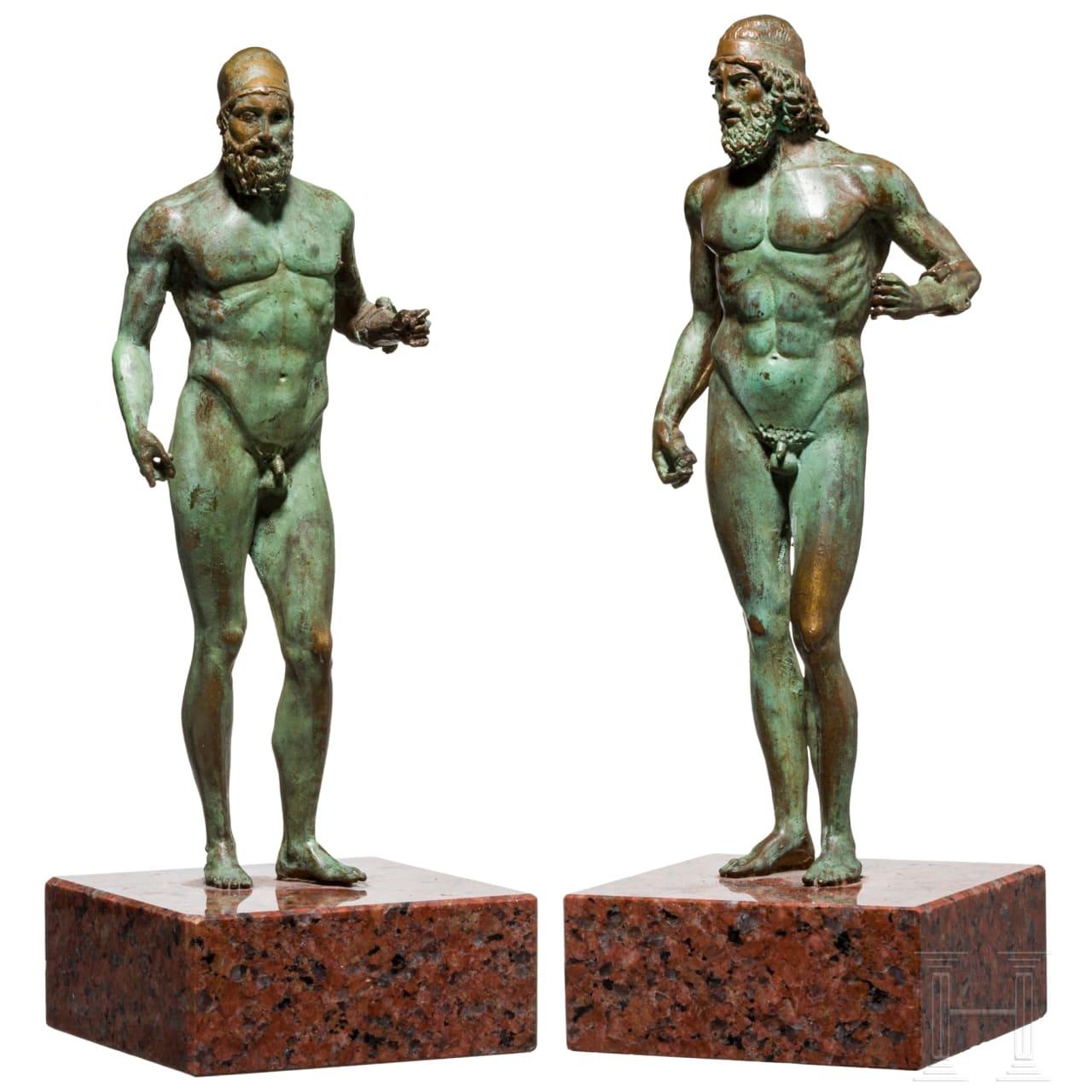 Zwei Bronzefiguren der Krieger von Riace