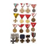 Gruppe von 16 Auszeichnungen, Österreich, Ungarn, Deutschland, 1. Hälfte 20. Jhdt.