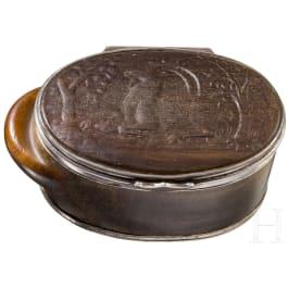 Silbergefasste, jagdlich beschnitzte Schnupftabakdose aus Steinbockhorn, süddeutsch/Salzburg, 18. Jhdt.