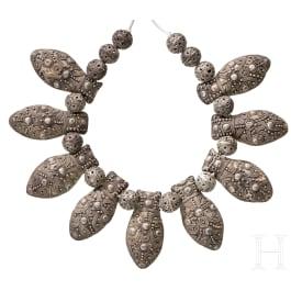 Frühslawische silberne Halskette, vergleichbar einer Halskette aus dem Kreml-Schatzfund, Russland, 12. Jhdt.