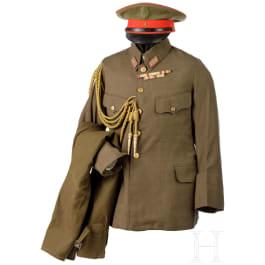 A uniform of an army officer in Word War II