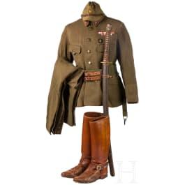 A uniform ensemble of an Army officer in World War II