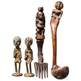 Hölzernes Besteck, zwei kleine Bronzefiguren, Afrika um 1900