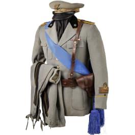 A WW II artillery uniform of a captain