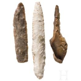 Drei Flintwerkzeuge, norddeutsch, Neolithikum, 4. - 3. Jtsd. v. Chr.