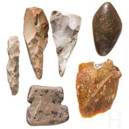 Sechs steinzeitliche Werkzeuge, Mitteleuropa, Paläolithikum