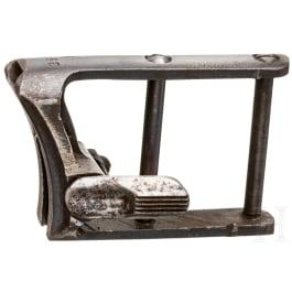 Pistole Luger P08, Befestigung für Anschlagschaft