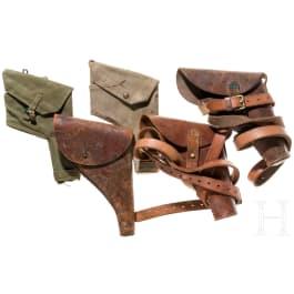 Fünf britische Pistolentaschen