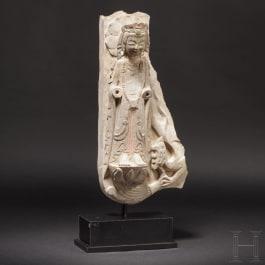 A Chinese figurine of a bodhisattva, Qi dynasty, 479-502