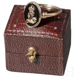"""King Ludwig I of Bavaria – a golden presentation ring with crowned cypher """"L"""", circa 1830"""