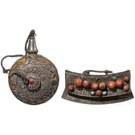 A Tibetan tinder striker and a snuffbottle, 19th century