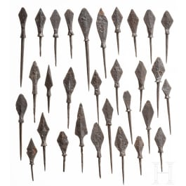 30 medieval iron arrow heads